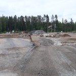 Image for the Tweet beginning: Rakokiven monitoimitalon tontilla on täysi