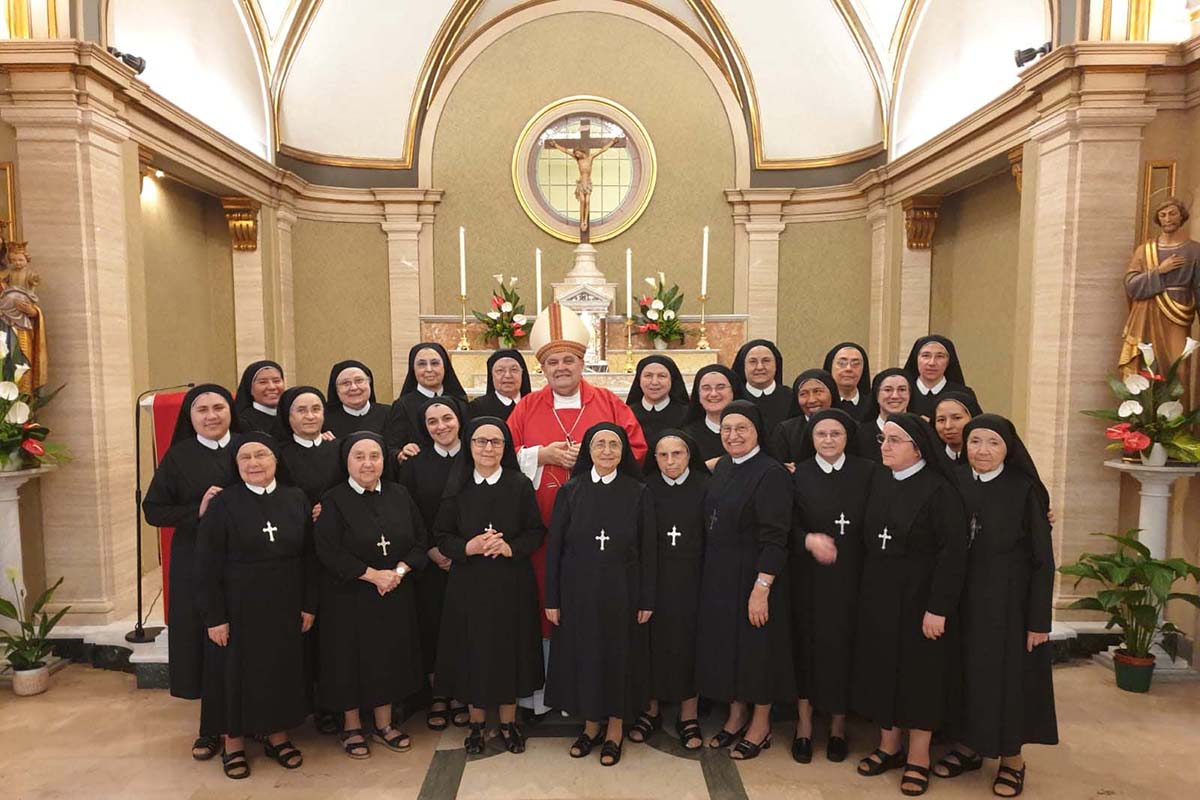 Italy - XI General Chapter of Salesian Oblates of Sacred Heart opened https://t.co/NDAsWgXIkH https://t.co/aN9oql8sqX