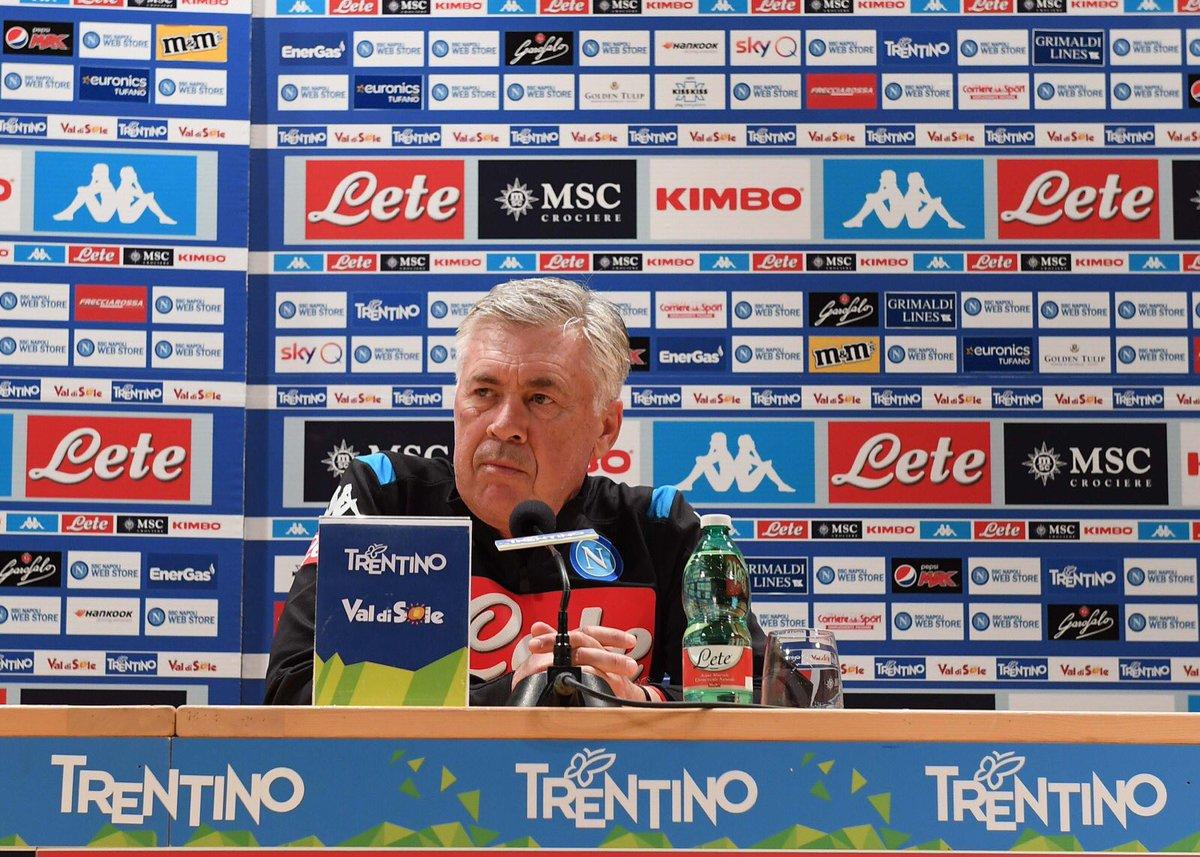 Ancelotti, en rueda de prensa del Nápoles.