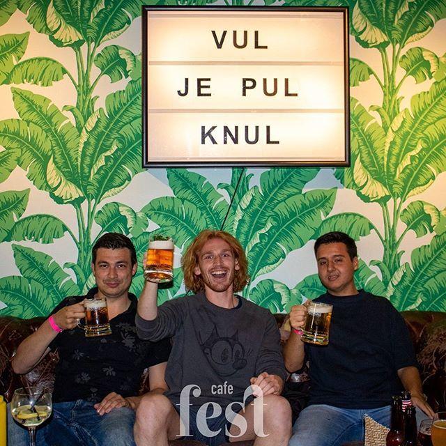 Vul je pul, knul 🍻 Het pullen vullen feest was een groot succes. Wie denkt te weten hoeveel liter bier er doorheen is gegaan? 🍻😉 • • #commentbelow #vuljepul #cafefest #amsterdam #amstelcampus #hva #feestje #beerlovers #denkjijhetteweten?
