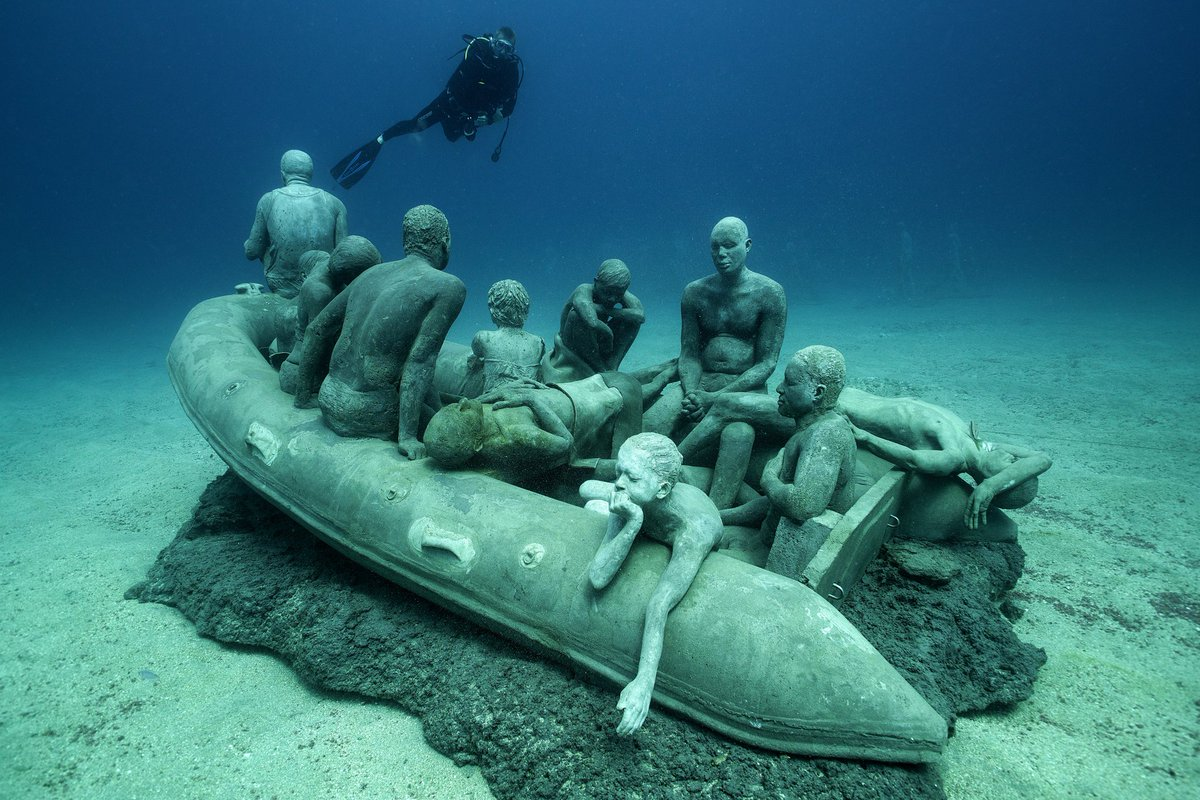 🐟 Stunning underwater #sculptures by English artist Jason deCaires Taylor 🐟