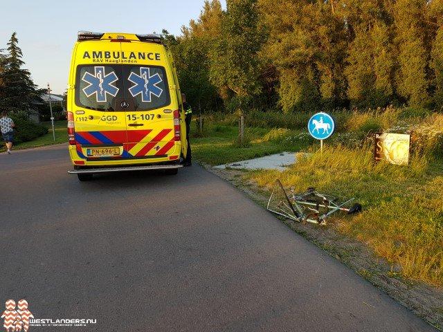 Wielrenner botst tegen vrachtwagen https://t.co/zNEOzQQTbt https://t.co/ZRNC8JROg6