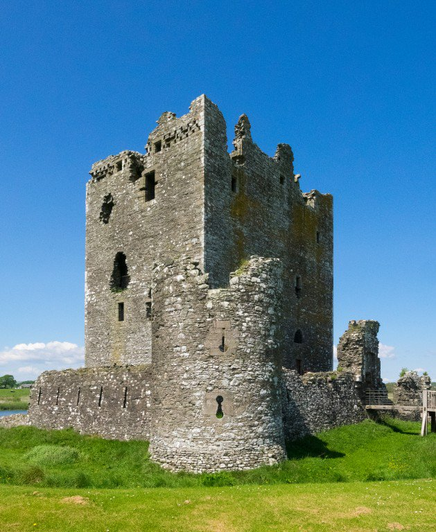 Threave Castle: A2: On A Sunny Day, Threave Castle In The