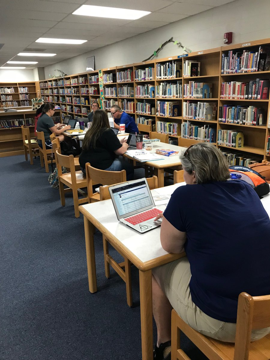 It's not all fun and games for #teachersinsummer Doing some curriculum work! <br>http://pic.twitter.com/l7Zbav90CF