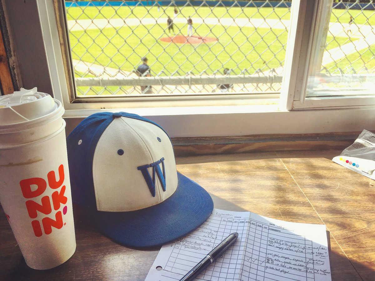 Staying cool in the shade @PBRNewYork #showcase @binghamtonu    Representing the @wheatonlyons @NEWMACsports @ENYPBL & running on @dunkindonuts #icedcoffee 😅   #NY #NCAA #MLB #USA #2019