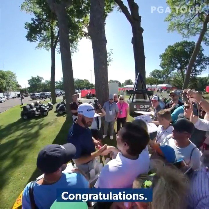 Dustin Johnson helps a couple with their gender reveal in heartwarming fashion at a PGA Tour event