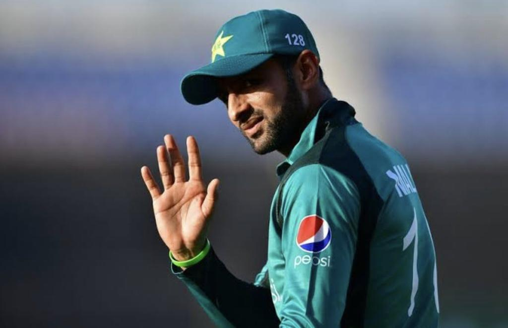 Haters gonna hate but deep down we all miss our secret agent Shoaib Malik. Hope they give him a chance in the next match. 🙏#PAKvNZ #NZvPAK #CWC19