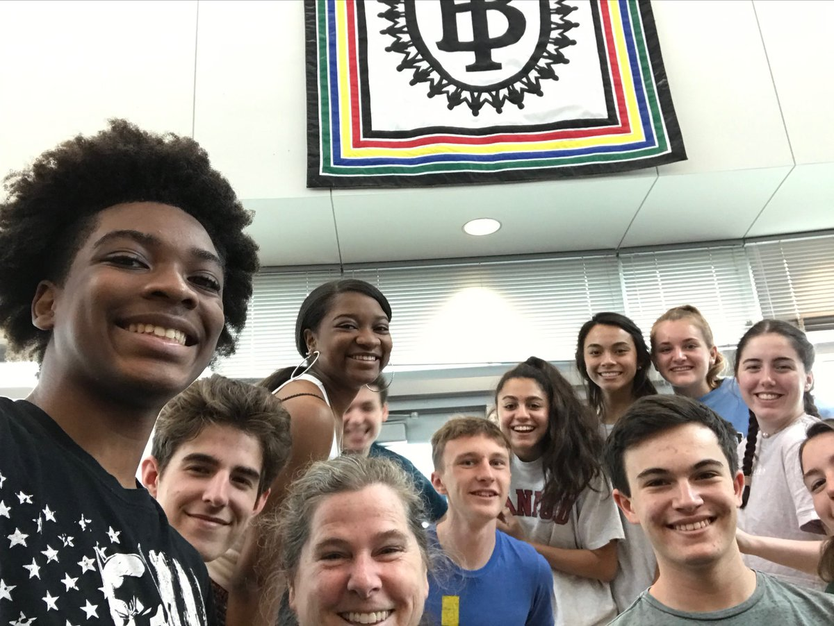 These students are working on their IB Extended Essay! Are you? <a target='_blank' href='http://twitter.com/GeneralsPride'>@GeneralsPride</a> <a target='_blank' href='http://twitter.com/APSVirginia'>@APSVirginia</a> <a target='_blank' href='http://twitter.com/WLHSPrincipal'>@WLHSPrincipal</a> <a target='_blank' href='https://t.co/WsoxI2UdOE'>https://t.co/WsoxI2UdOE</a>