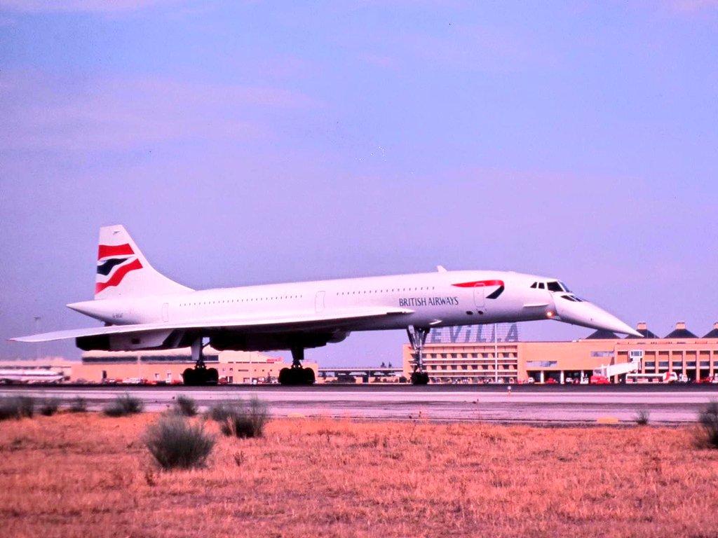 En febrero de 1999, el mítico Concorde estuvo de prácticas por #Sevilla. Fotos de nuestro compañero, C. Roca.