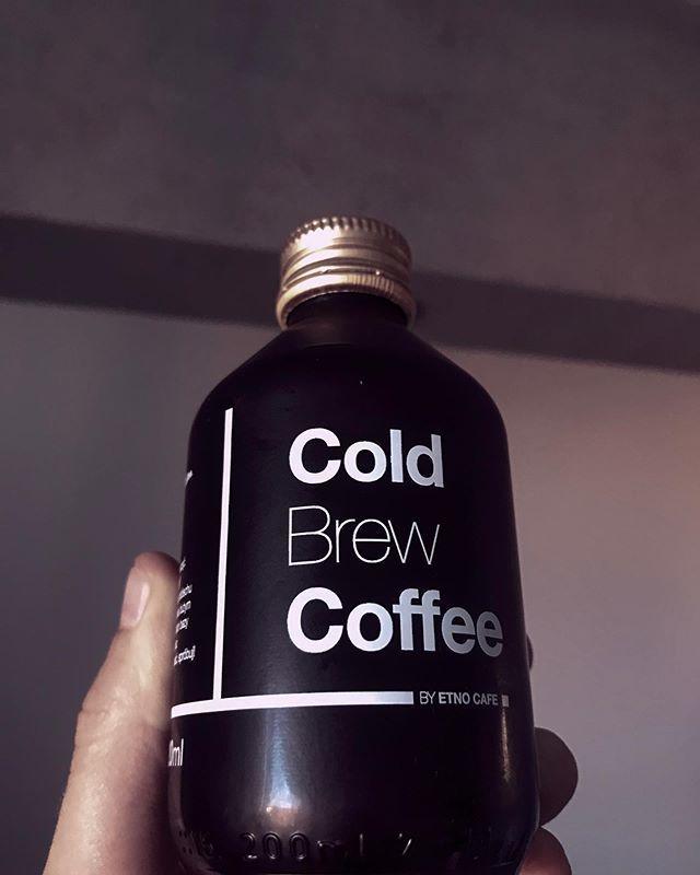 Idealne na tę pogodę. Kto lubi? Ja nie moglem się długo przekonać, ale chyba pogoda mnie lekko skłoniła do decyzji:D #coldbrew #coffee #colddrink #summer #etnocafe #coldbrewcoffee #barista #espresso #coffeeholic #coffeetime #hotsummer #relief #icedcoffee… https://ift.tt/2KFlulH