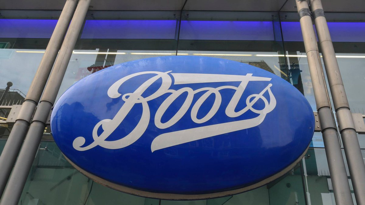 Boots is banning plastic bags and replacing them with brown paper carriers http://marieclai.re/dksSzO