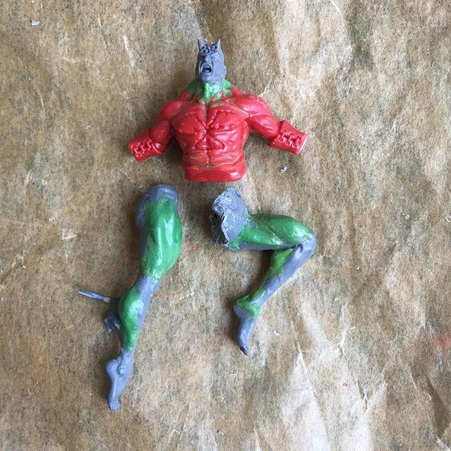 Making sure my daemon hasn't skipped leg day. Yncarne legs with lots of greenstuff. . . . . . . . . .  #inq28 #inquisitor #inquisition #kitbash #warhammer40k #warhammer40000 #grimdark #blanchitsu #tabletop #gamesworkshop #tabletopminiatures #imperiumofma… https://ift.tt/2Yg8c2b