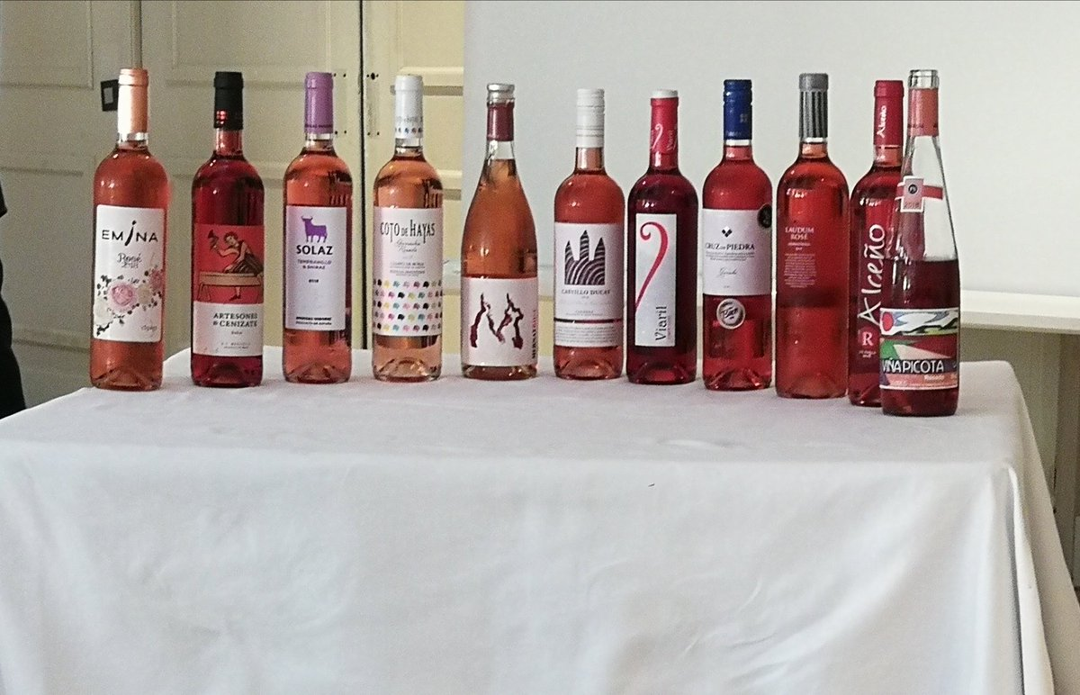 Realmente lo que importa de un rosado es sólo el color? Ayer en Madrid pudimos catar y mostrar nuestro #ViñaPicota en el Podium de añada rosados 2018. Gracias a @UECatadores por esta gran oportunidad 🏅