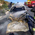 Image for the Tweet beginning: Auto in fiamme sulla Palermo
