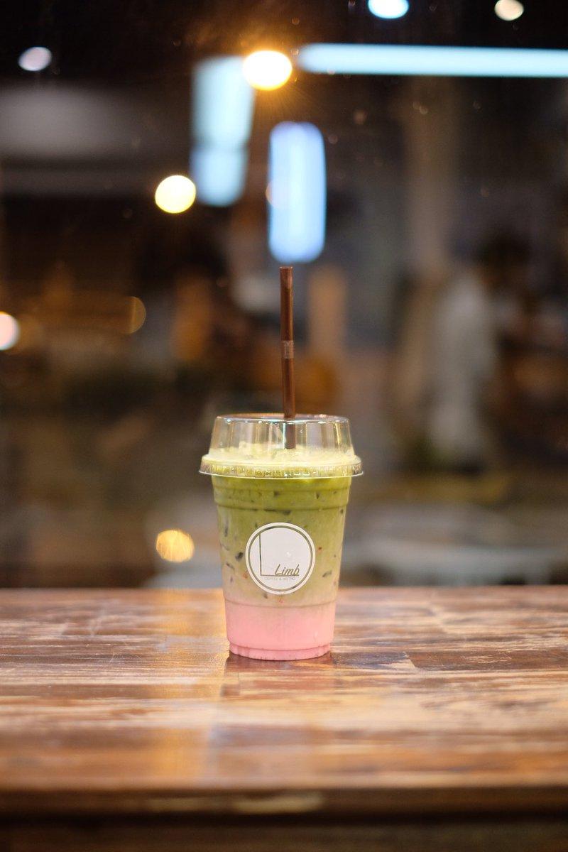 Matcha strawberry & Latte @aroii   Limb Coffee& Bistro  Hatyai  #ReviewThailand #ReviewCafe #hatyai  #อร่อยบอกต่อ<br>http://pic.twitter.com/j4CRe1fiqS