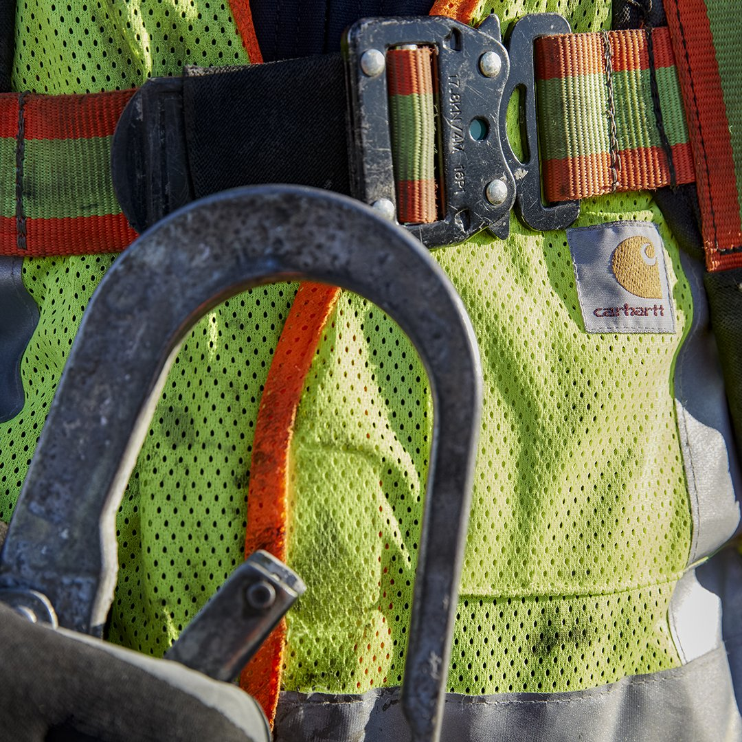 This #NationalSafetyMonth, brighter = better. Shop our high-vis #workwear:  http:// bit.ly/tw_HighVisGear    <br>http://pic.twitter.com/lMs8xLn41V