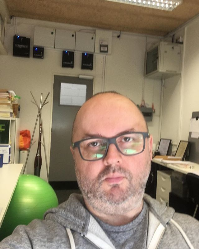 Is my head wonky ?  About to go outside though and enjoy the British summer ...... quick!! #newoffice #property #business #mindsetexpert #financialfreedom #lifecoaching  http:// michaelgreencoaching.com       http:// freedom-mindset.co.uk      @freedom_mindsetuk  https:// ift.tt/2J9pSGq     <br>http://pic.twitter.com/8kk1b1T1XZ