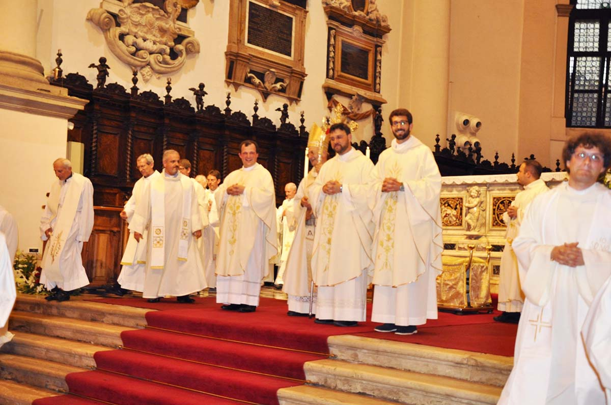 Italy - Priestly ordination of three Salesians https://t.co/LNHdO51qJR https://t.co/c7U7R24Xex