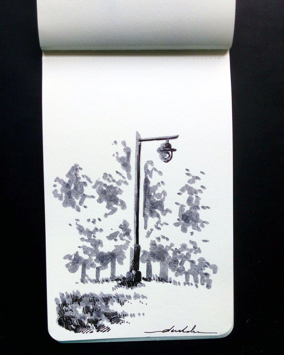 Lamppost #dailyart #dailyillustration #nature #lamppost #blackandwhitedrawing #isitnarnia https://t.co/48zLgCynef
