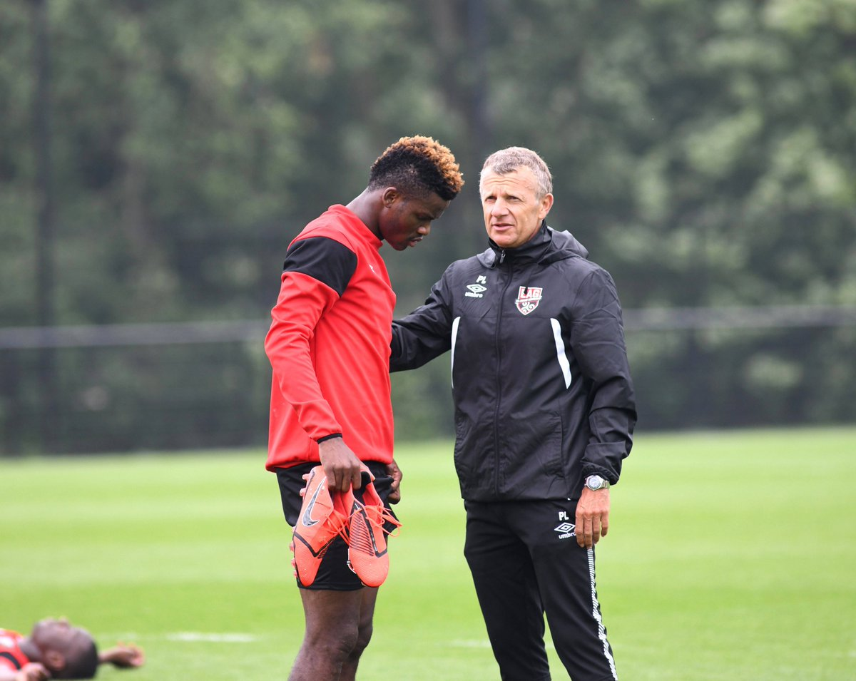 [MDC] 21 - Didier Ndong - Page 9 D-EjNvDX4AAY9s-