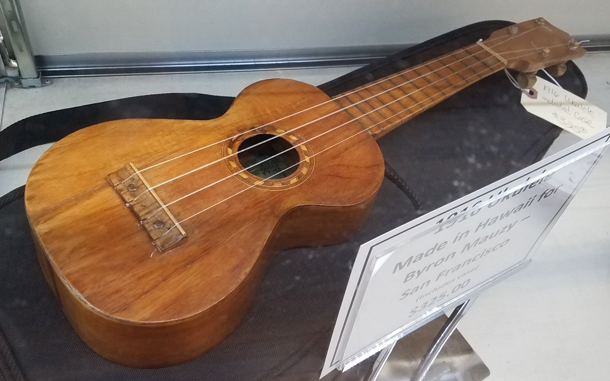 1920s hawaiian soprano Ukulele made for Byron Mauzy