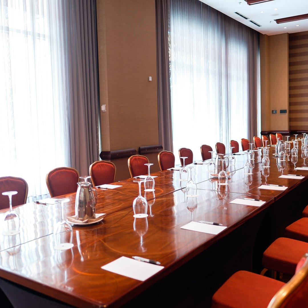 11 salones de eventos disponibles para diseñar tus reuniones y celebraciones.  Haz realidad esos momentos con nosotros y vive experiencias #ImagínaloInolvidable.  *Aplican términos y condiciones. Sujeto a disponibilidad https://t.co/o17qqSHnZP
