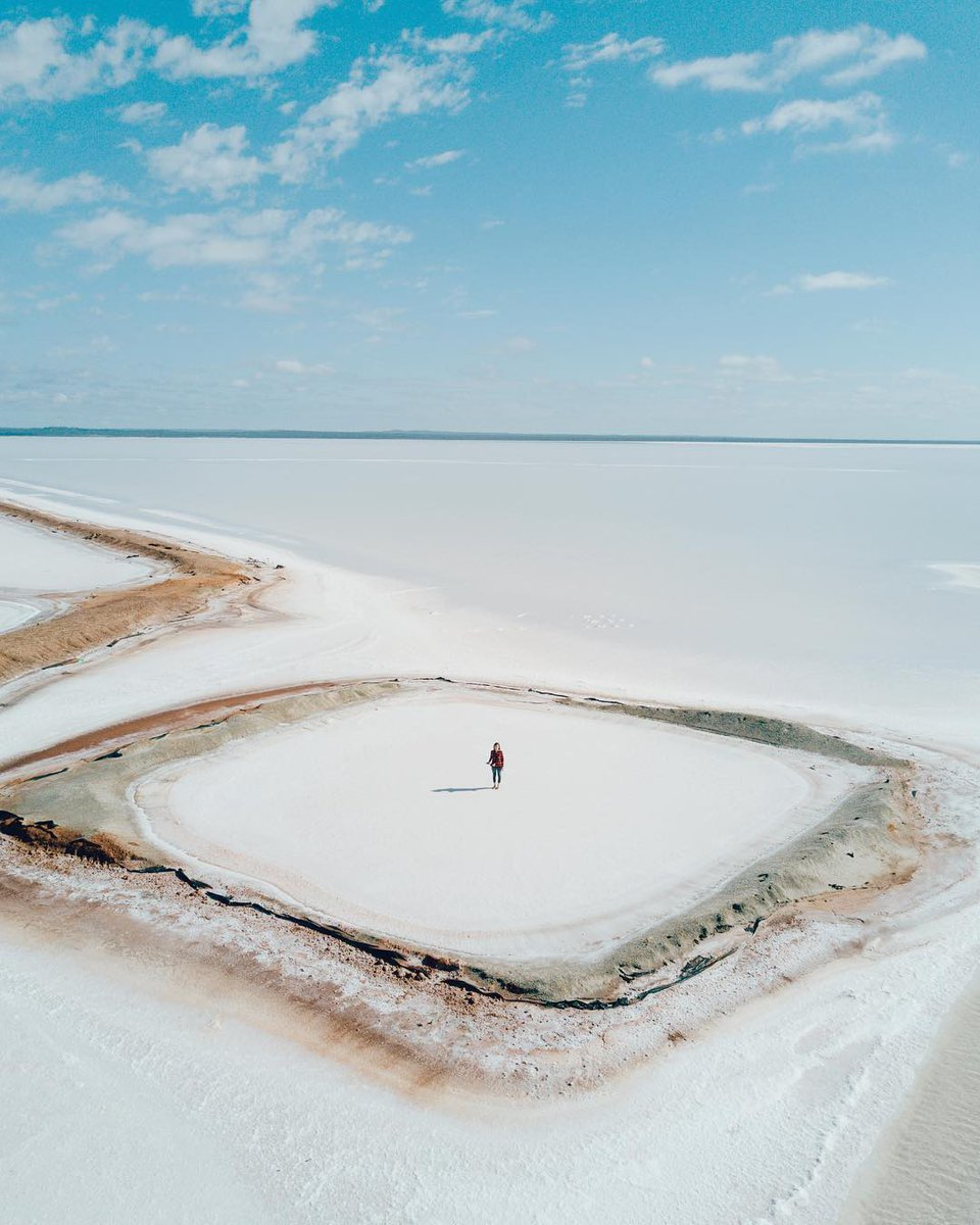 Be sure to add Lake Lefroy to your next Goldfields adventure checklist. 💙 Head to Red Hill Lookout in Kambalda to get sweeping views of the stunning Lake Lefroy, a 40-kilometre salt pan lake, and the surrounding bushland. Pic: IG/wrenees #goldenoutback https://t.co/WAPohPHSEN