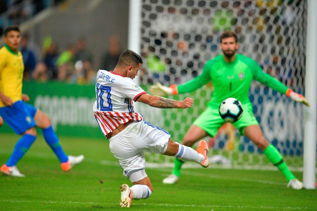 КА. Бразилия - Парагвай 0:0 (пен. 4:3). Фаворит со скрипом вышел в полуфинал - изображение 2