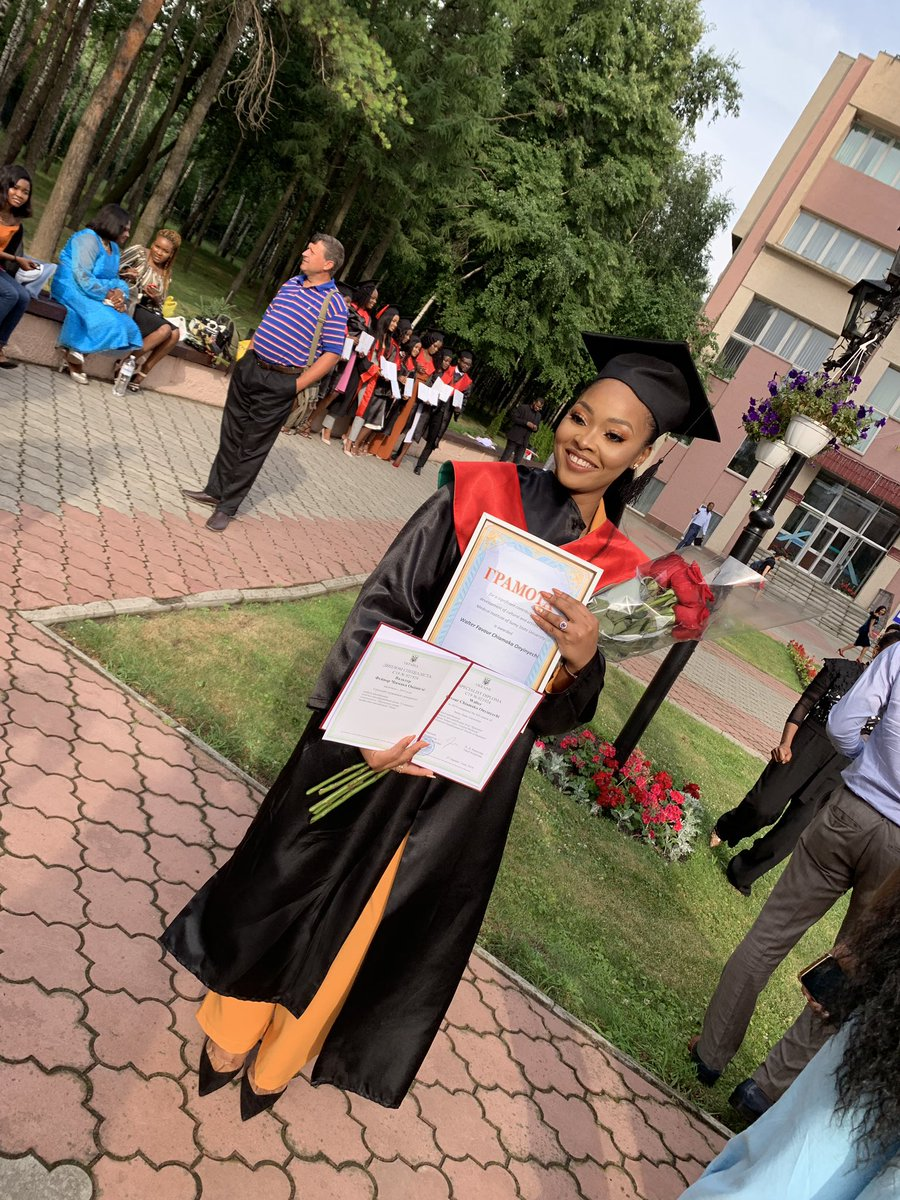 I'm a doctor y'all!! After 11 years of studying medicine, from Nigeria to Ukraine, It's finally official! 💃🏻💃🏻 somebody hold me please. I can't contain my joy. To Jesus be my glory🙌 #doctorofmedicine