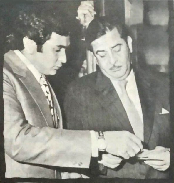 "Movies N Memories on Twitter: ""Father-Son duo, Raj Kapoor and ..."