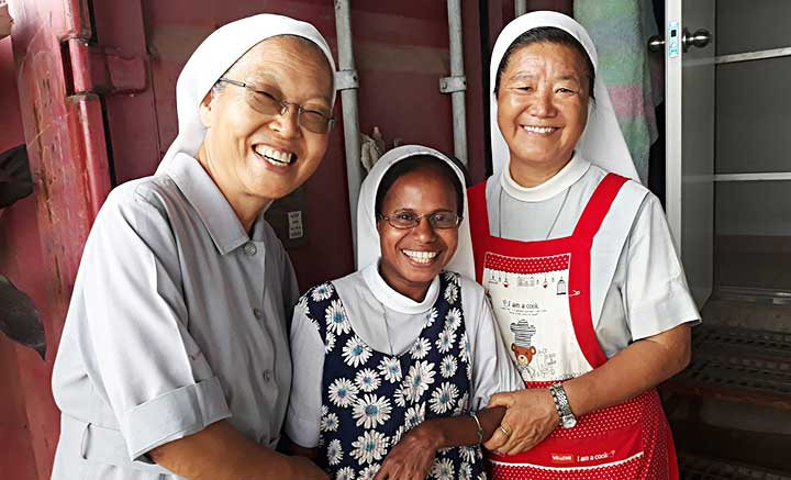 Caritas #Sisters of Jesus in Kimbe (PNG)!  Read more: https://t.co/isUX1J9TV1 https://t.co/LO0gEKcreP