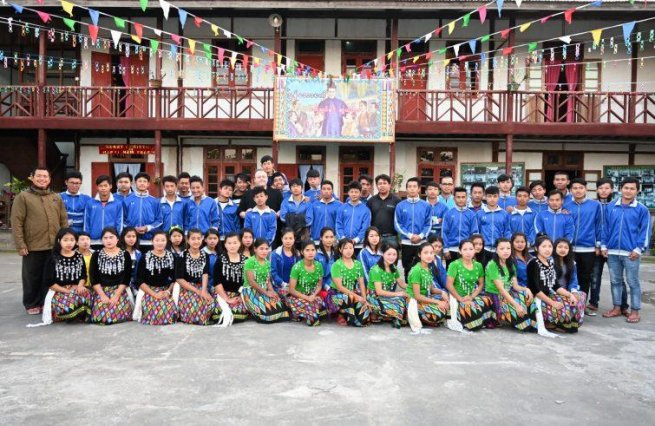 "Myanmar – ""Opera #DonBosco Foundation"" offers #young an #opportunity for redemption https://t.co/AkHVwHDPZS https://t.co/Fn7TnL4rE3"