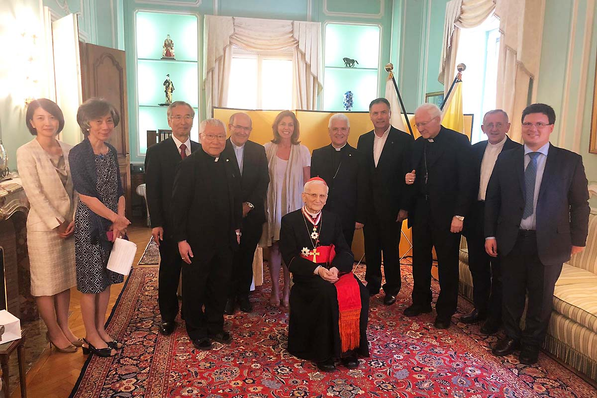 #Vatican – Emperor of #Japan confers Order of Rising Sun to card. #RaffaeleFarina, Salesian https://t.co/igQSF2nbH6 https://t.co/qYdLQLzldC