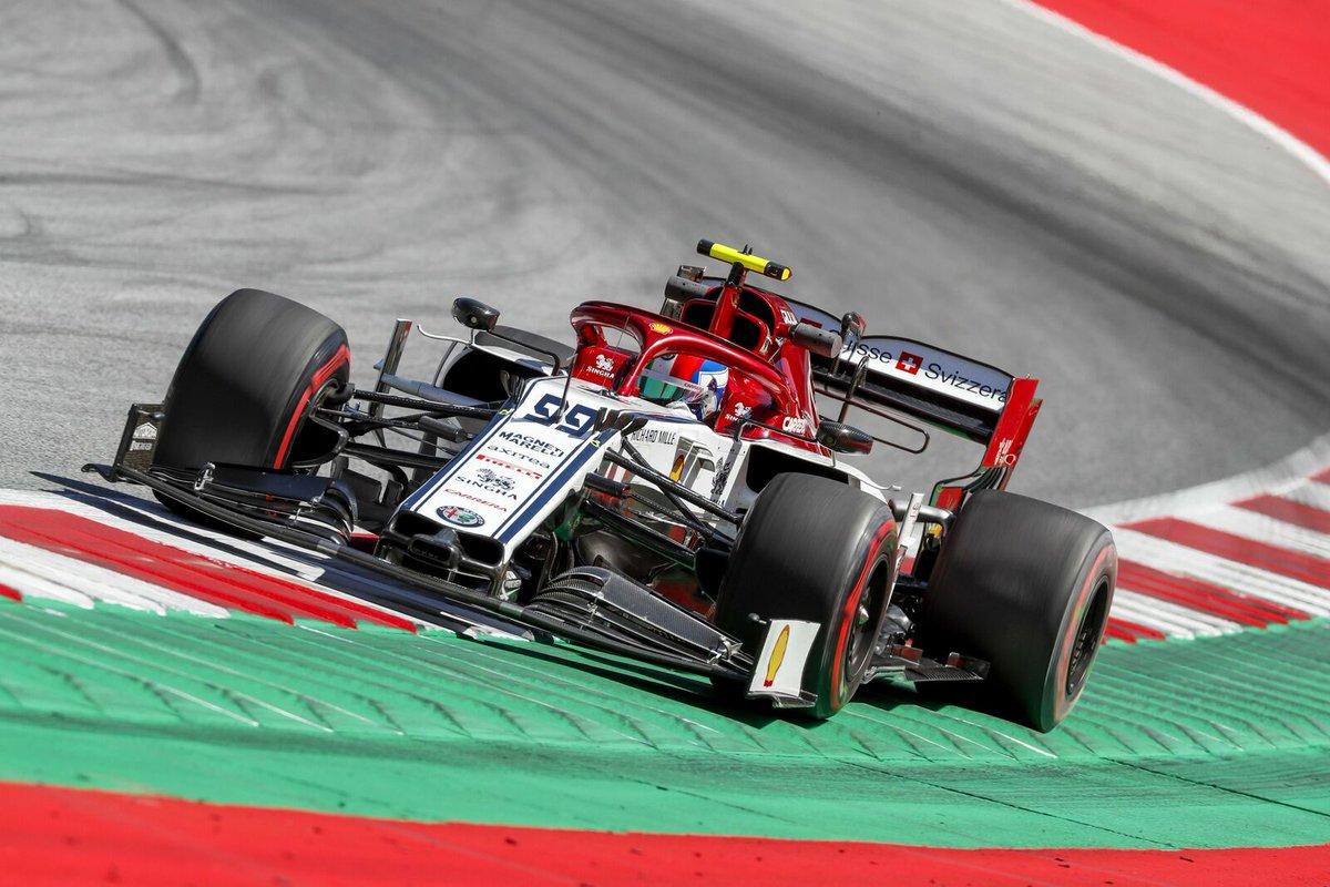 Non c'è tempo per fermarsi💪  Casco in testa e spingere al massimo 👉 Domani è il giorno delle qualifiche 🏁🔥 #F1 #Formula1 #AustrianGP🇦🇹 #AlfaRomeoRacing #AG99🐝