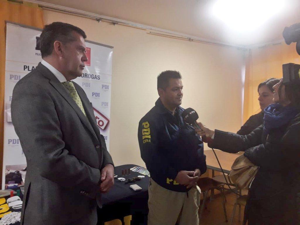 #Microtrafico el Gobernador @IvanCisternasT valoró  el resultado del operativo por parte de @PDI_CHILE La Calera, en el sector El Polígono, Nogales, logrando incautación de droga y personas detenidas. Operativo MT10 #ChileEnMarcha #ChileSeguro