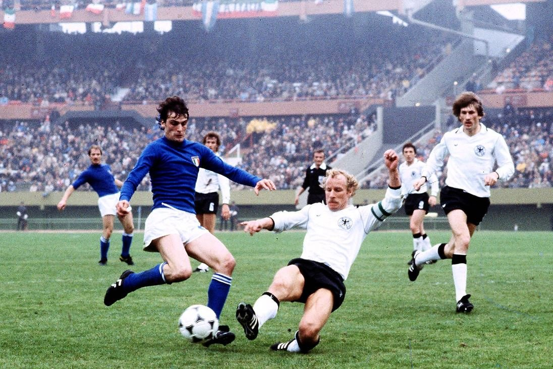 """Fútbolismo ⚽️🌎🌍🌏⚽️ on Twitter: """"#BertiVogts captain of West ..."""
