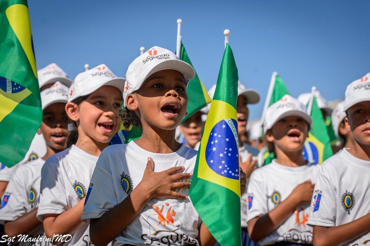 Inclusão social por meio do esporte, da educação e da promoção da saúde são os principais objetivos do #Profesp (Programa Forças no Esporte). Criado em 2003, já atende mais de 23 mil crianças e adolescentes de 97 cidades brasileiras. Saiba mais: http://www.defesa.gov.br/programas-sociais/programa-forcas-no-esporte…