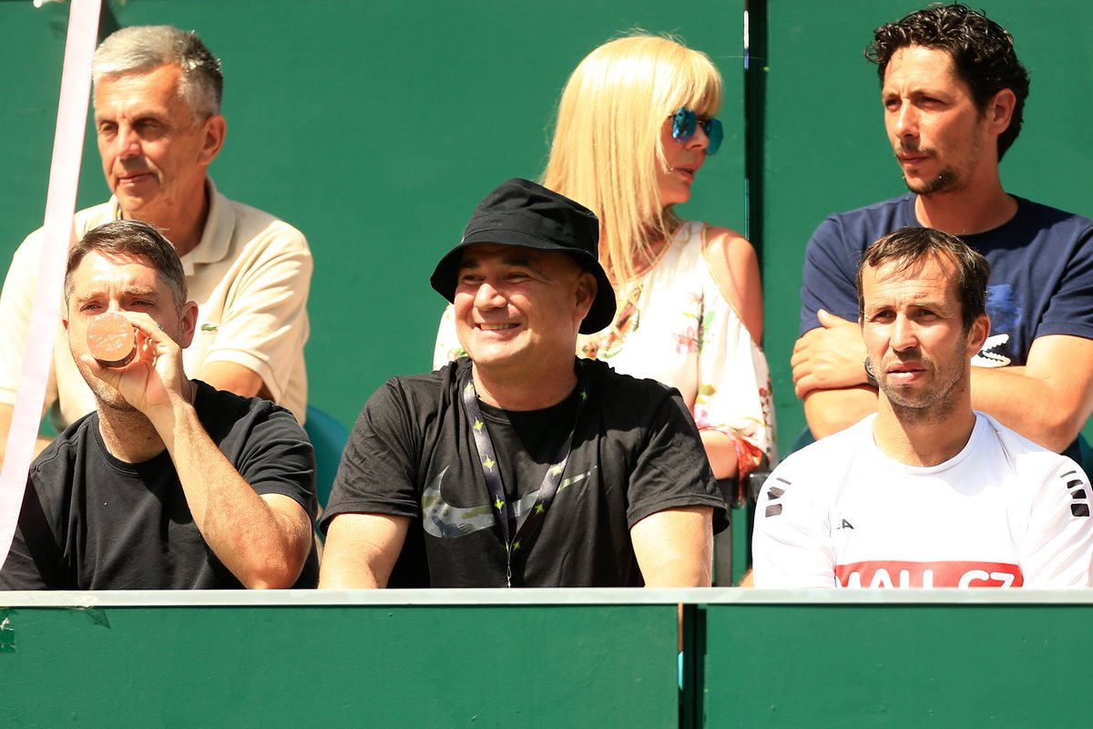 Another incredible day @TheBoodles  ! Glorious sunshine, world-class tennis and hospitality! The perfect summer garden party made even more perfect by welcoming back @GrigorDimitrov  and former Boodles player and tennis legend @AndreAgassi