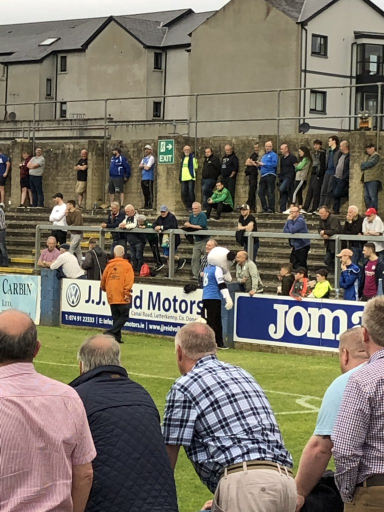 27 min. The Finn Harps mascot has been sent off for pretending to save shots behind our goal (0-0)