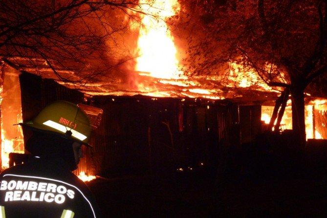 #Realicó |  Impresionante incendio de una carpintería