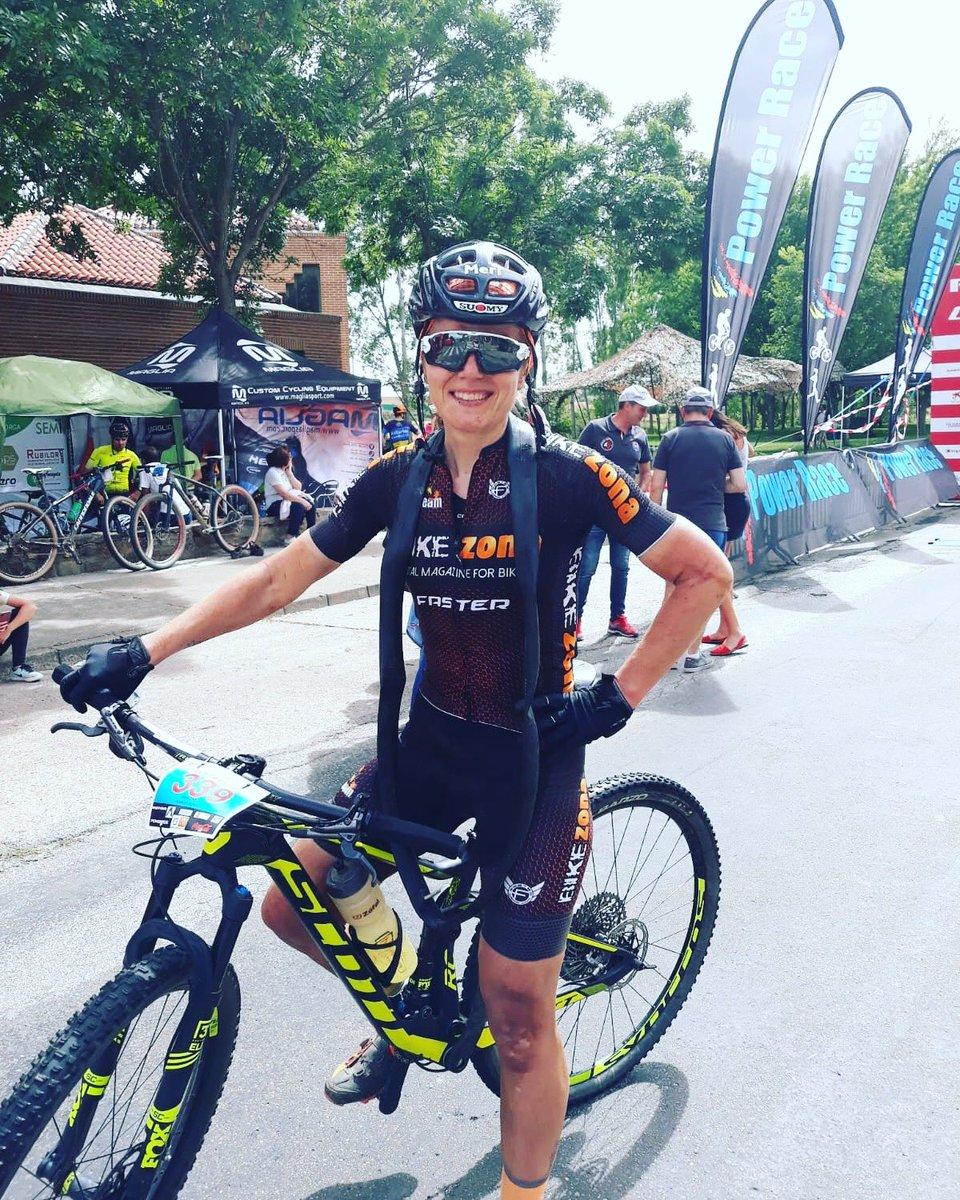 🥇 en la crono inicial de #merindadesbikerace para Meri!  Felicidades 👏💪! Sasoian zaude👉 #sasoian #entrenamiento #mtb #cycling #c4us #bikezona @SasoianKZ @Odilorivela @custom4us @BikeZona https://t.co/9Q8elIBwb2