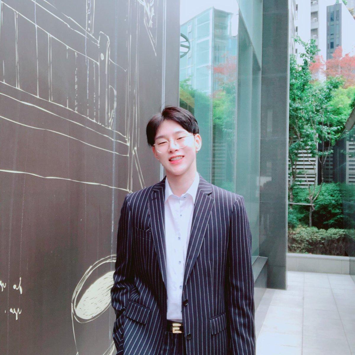 วันนี้เจ้าตี๋ใส่แว่นด้วย น่ารักมากๆเลย❤❤ #ฮยอนบิน #ควอนฮยอนบิน #KwonHyunBin #Hyunbin #현빈