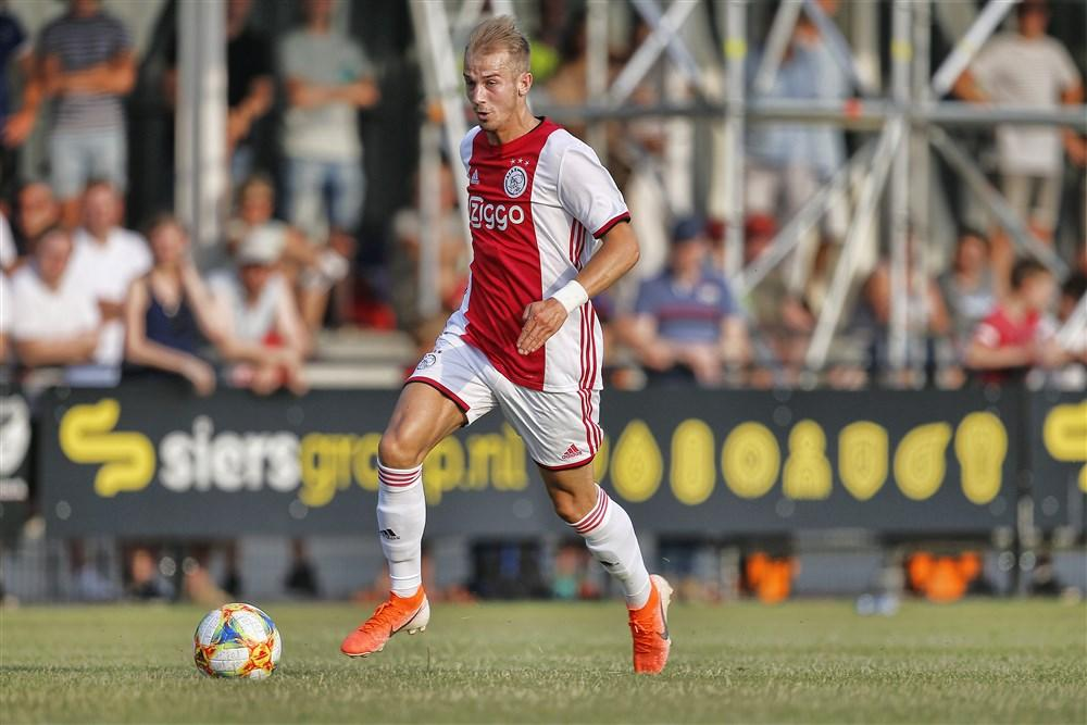 Girls in Ajax