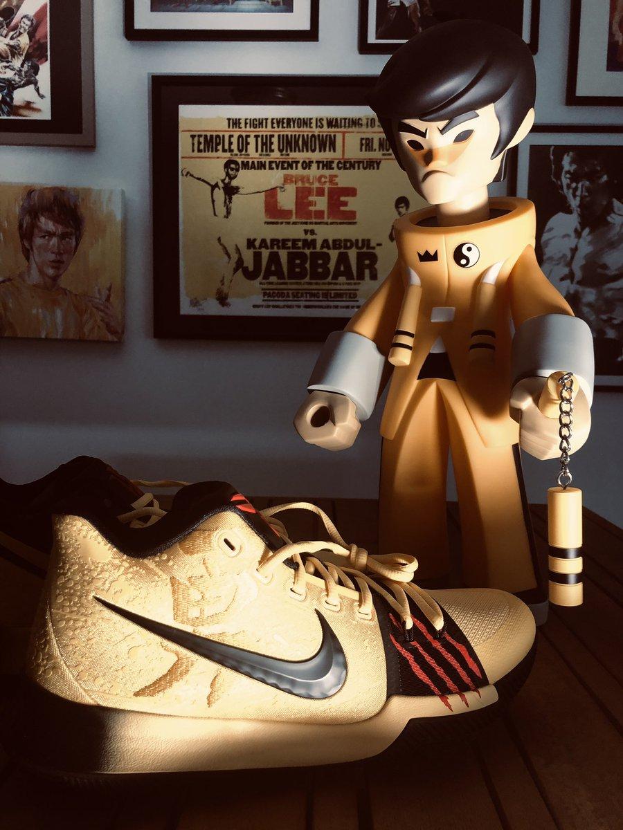 buy popular 2e13b ffeff Bruce Lee on Twitter: