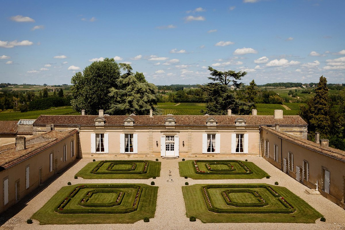 See you at Château Fombrauge until tomorrow evening for visits with tasting at a preferential price only on reservation: 05 57 26 38 34 or visiteschateaux@bernard-magrez.com.  We hope to see you there !  #StEmilion #UNESCO #BernardMagrez #Fombrauge #20years https://t.co/1ssHIw1RUo