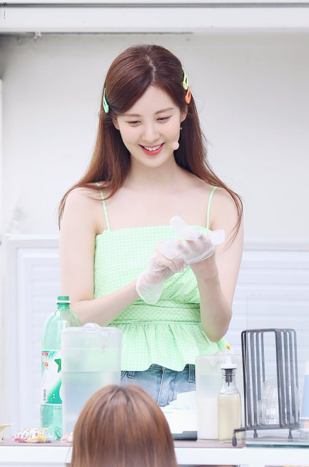 [PHOTO] 190628 Seohyun @ Birthday Event D-Ply_zUEAYtE_a?format=jpg&name=small