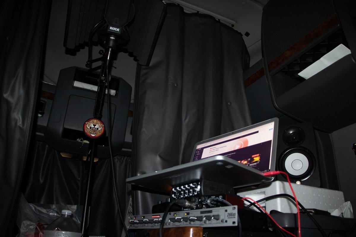 My set up.  #Rap #Hiphop #ConsciousRap #ConsciousHiphop #ConsciousRapper #Rapper #Emcee #Indigo #Indigochild #Love #Poet #Artist #Indiemusic #IndieArtist #consciousman #studio #Highvibrations #Music #Rapmusic #Consciousmale #DIY #recordingstudio #motivation #musicstudio #indiepic.twitter.com/HcWSLYt5Uy