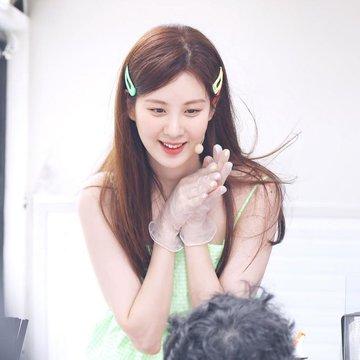 Tổng hợp bài đăng của Seohyun trên Instagram D-R2XZQXUAAbR7N?format=jpg&name=360x360