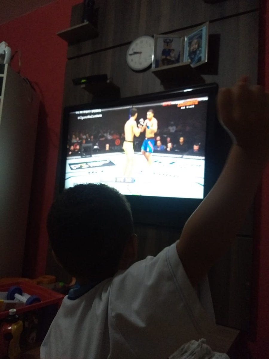 @ricardoramosmma Olha ai na sua torcida  VAI AMARELO!!! #Ricardoramos #ciganovence esse é o Théo  fã de UFC com apenas 3 aninhos!!!!