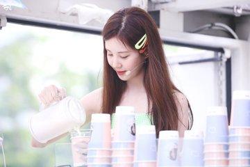 [PHOTO] 190628 Seohyun @ Birthday Event D-RpFHuVAAAxyMl?format=jpg&name=360x360